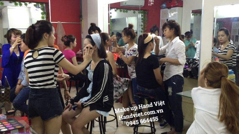 truong-dao-tao-va-day-nghe-hand-viet-246277