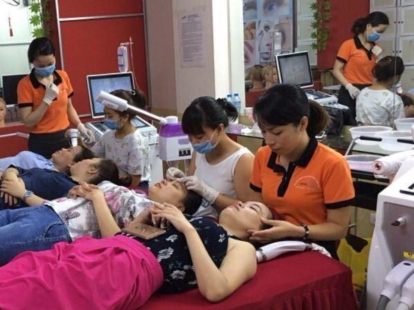 Lớp học Spa tại Hand Việt