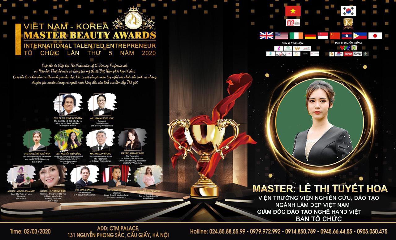 BÀ LÊ THỊ TUYẾT HOA TRONG LỄ TRAO GIẢI MASTER BEAUTY AWARDS 2020