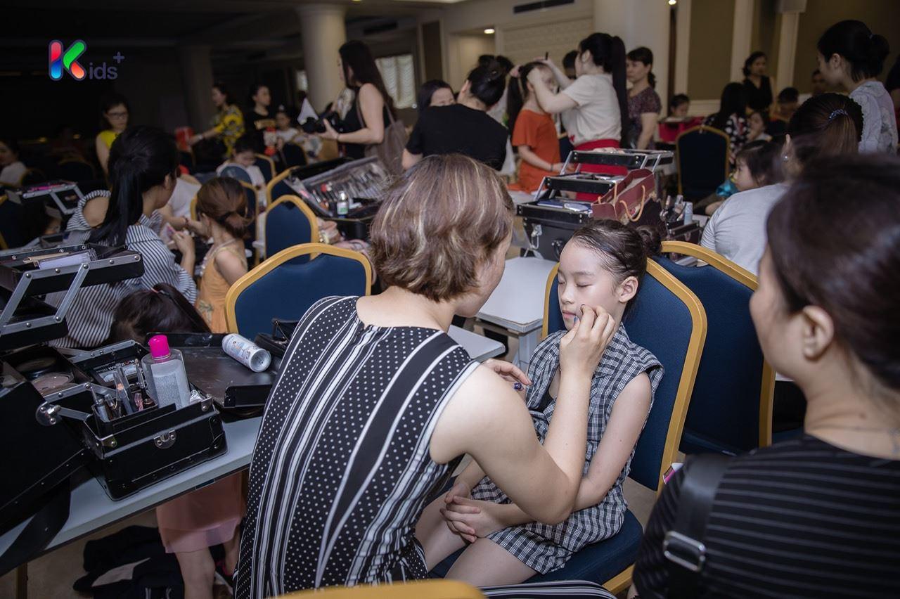 make up Hand Việt 2