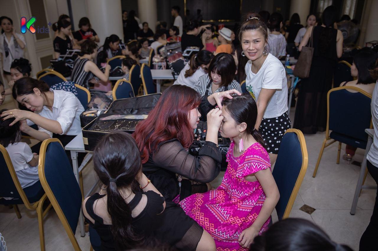 make up Hand Việt 3