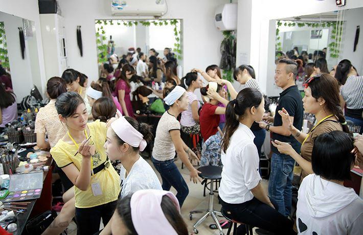 Lớp Trang điểm tại Viện Đào tạo Hand Việt