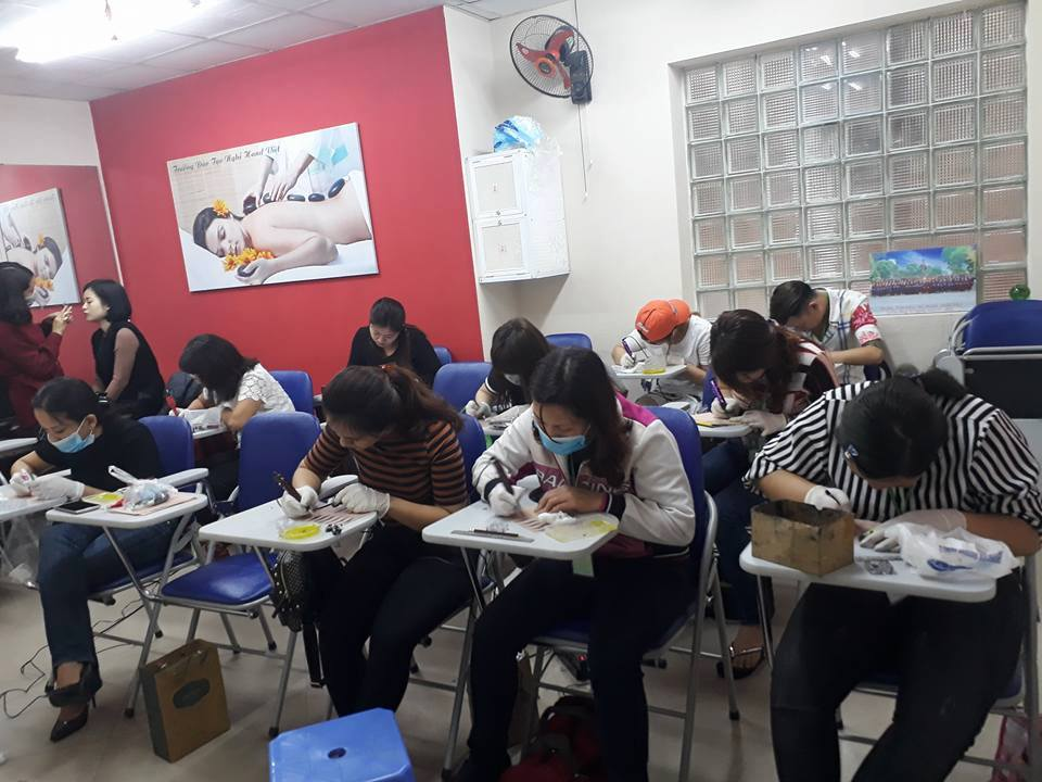 Lớp Phun xăm thẩm mỹ Tại Học viện Đào tạo Hand Việt